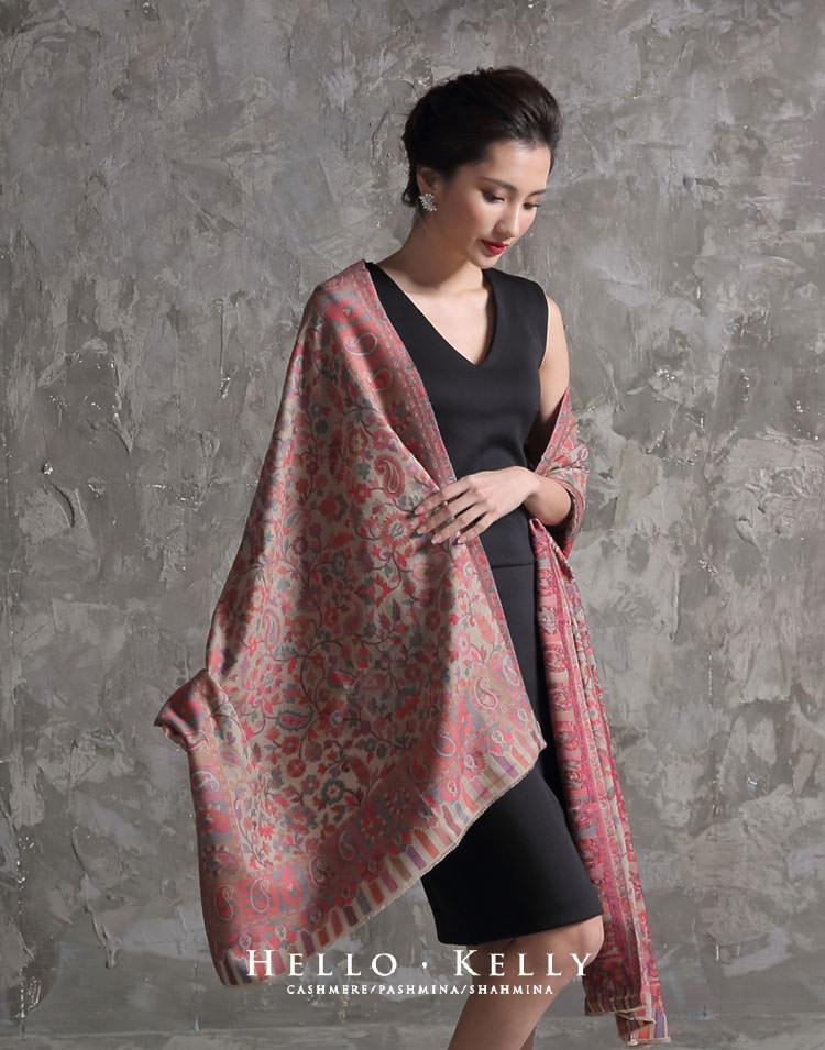 卡尼羊毛披肩圍巾比手工編織的卡尼羊絨圍巾便宜許多,很適合喜歡卡尼披肩穿搭的朋友,印度微厚羊毛披肩圍巾防風保暖。